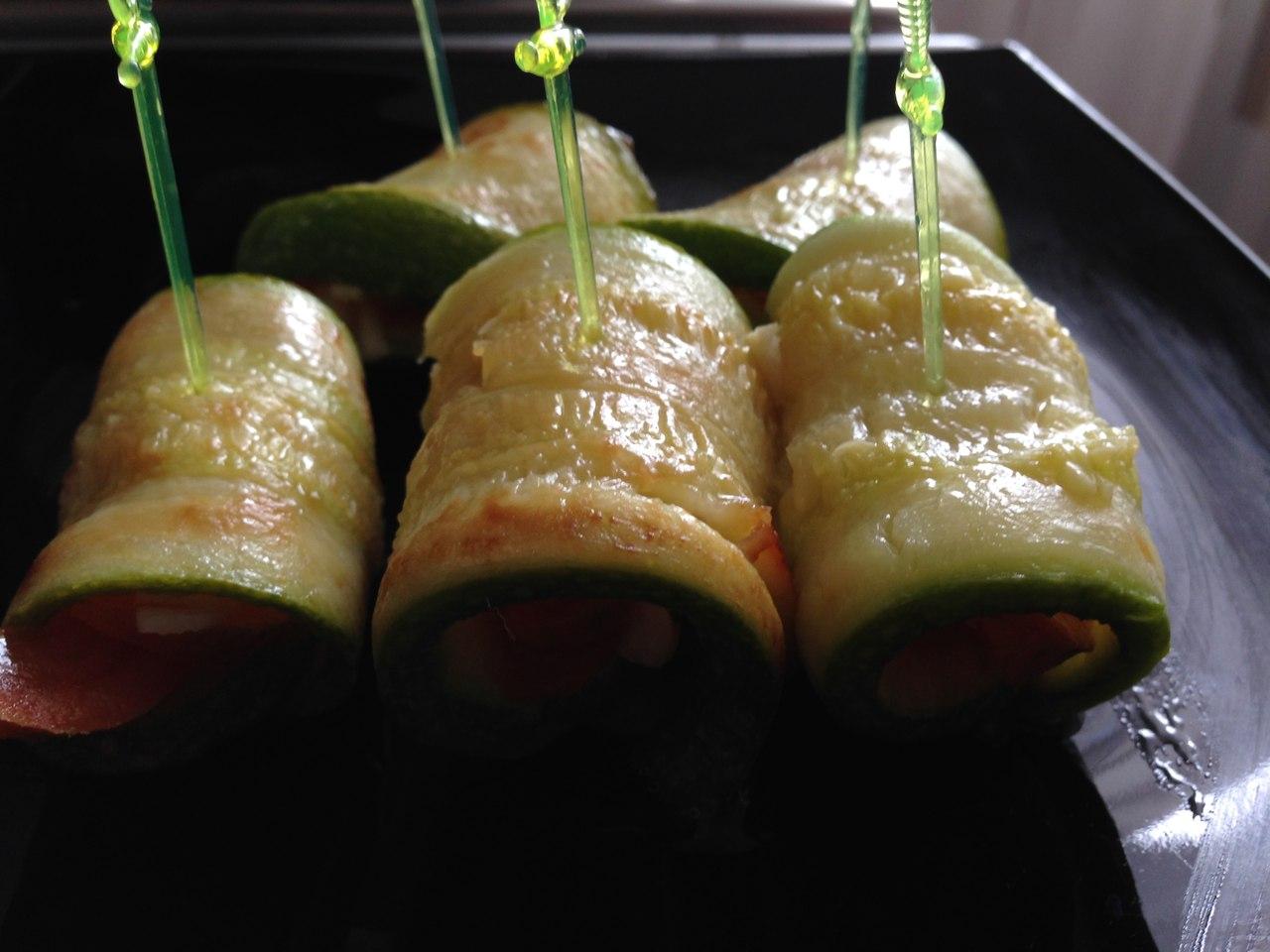 Рулет из кабачков с разными начинками рецепты пошагово